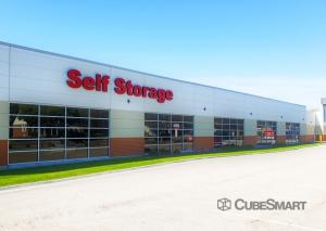 Image of CubeSmart Self Storage - IL Wheaton E Roosevelt Road Facility on 1830 East Roosevelt Road  in Wheaton, IL - View 4