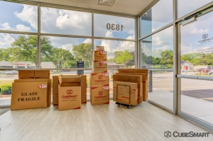 CubeSmart Self Storage - IL Wheaton E Roosevelt Road - Photo 12