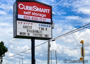 Image of CubeSmart Self Storage - TX Cedar Hill East Beltline Road Facility at 611 E Beltline Rd  Cedar Hill, TX