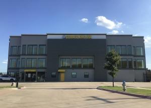 Image of Storage King USA - 087 - Garland, TX - East Interstate 30 Facility at 932 East Interstate 30  Garland, TX