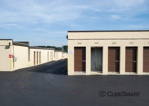 Image of CubeSmart Self Storage - PA Frazer Lancaster Ave Facility on 641 Lancaster Avenue  in Frazer, PA - View 3