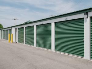 Storage Rentals of America - Yorktown - Kilgore Ave. - Photo 2
