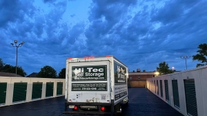 Image of Hi Tec Self Storage Facility at 240 West 79th Avenue  Merrillville, IN