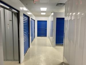 Gateway Climate Storage - Photo 1