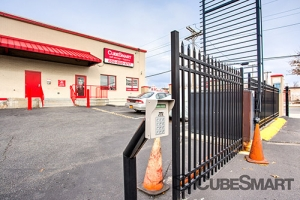 CubeSmart Self Storage - Queens - 122-20 Merrick Blvd - Photo 9