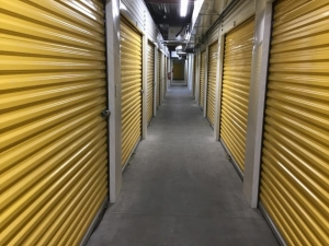 Image of Life Storage - Mount Pleasant Facility on 1471 Center St Ext  in Mt Pleasant, SC - View 2
