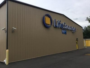 Life Storage - North Haven