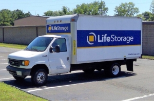 Life Storage - North Haven - Photo 4