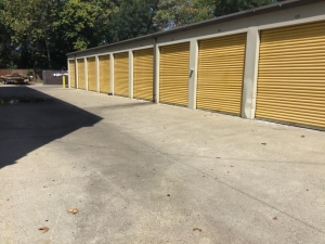 Image of Life Storage - Gaithersburg Facility on 26 W Diamond Ave  in Gaithersburg, MD - View 3