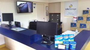 Image of Life Storage - Tampa - West Columbus Drive Facility on 3000 W Columbus Dr  in Tampa, FL - View 3
