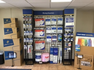 Life Storage - Clearwater - North Belcher Road - Photo 4