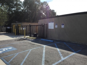 Image of Life Storage - Summerville Facility on 422 Old Trolley Rd  in Summerville, SC - View 3