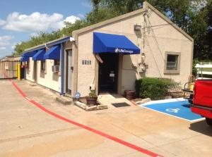 Image of Life Storage - Arlington - North Little School Road Facility on 1105 N Little School Rd  in Arlington, TX - View 3