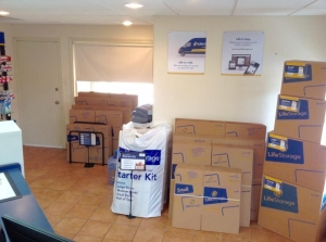 Picture 5 of Life Storage - San Antonio - 8025 Culebra Road - FindStorageFast.com