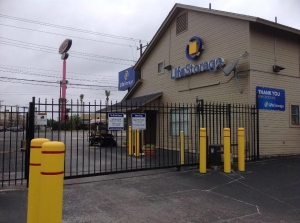 Picture 7 of Life Storage - San Antonio - 8025 Culebra Road - FindStorageFast.com