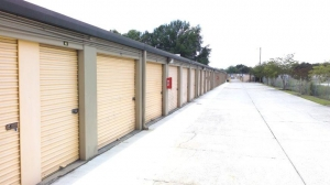 Life Storage - Plant City - Photo 3