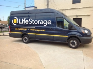 Life Storage - Bedford - Broadway Avenue - Photo 5