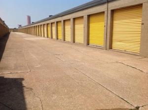 Life Storage - Cleveland - West 130th Street - Photo 7