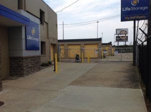 Life Storage - Cleveland - West 130th Street - Photo 8
