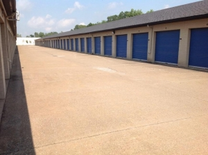 Image of Life Storage - Mentor Facility on 8650 East Ave  in Mentor, OH - View 3