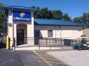 Image of Life Storage - Universal City Facility on 2500 Pat Booker Rd  in Universal City, TX - View 4