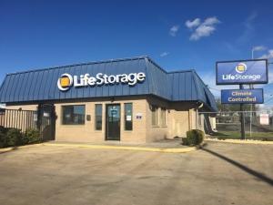 Picture 0 of Life Storage - San Antonio - 9665 Marbach Road - FindStorageFast.com