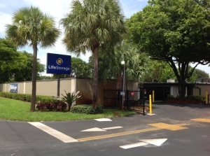 Image of Life Storage - Delray Beach - 551 South Congress Avenue Facility on 551 S Congress Ave  in Delray Beach, FL - View 4