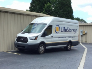 Image of Life Storage - Marietta - Roswell Road Facility on 1725 Roswell Rd  in Marietta, GA - View 3
