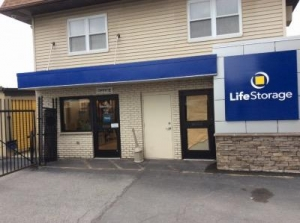 Life Storage - Harriman