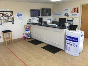 Image of Life Storage - East Greenwich - South County Trail Facility on 2771 S County Trl  in East Greenwich, RI - View 2