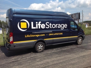 Image of Life Storage - Warren - Youngstown Road Facility on 3942 Youngstown Rd  in Warren, OH - View 3