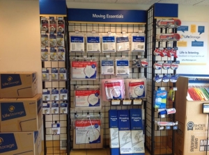 Image of Life Storage - Warren - Youngstown Road Facility on 3942 Youngstown Rd  in Warren, OH - View 4