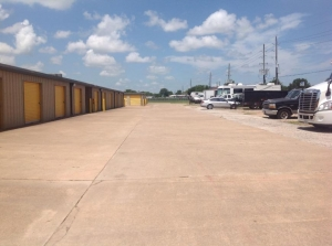 Image of Life Storage - Katy - North Fry Road Facility on 3433 N Fry Rd  in Katy, TX - View 3