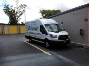 Image of Life Storage - Pompano Beach - West Sample Road Facility on 1500 W Sample Rd  in Pompano Beach, FL - View 3