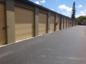 Image of Life Storage - Boca Raton Facility on 9900 SW 18th St  in Boca Raton, FL - View 2
