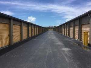 Image of Life Storage - Webster - Highway 3 Facility on 16650 Highway 3  in Webster, TX - View 2