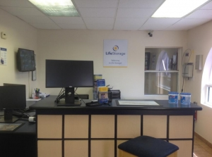 Image of Life Storage - Hollywood - North 21st Avenue Facility on 1109 N 21st Ave  in Hollywood, FL - View 2
