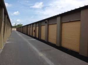 Image of Life Storage - Hollywood - North 21st Avenue Facility on 1109 N 21st Ave  in Hollywood, FL - View 3