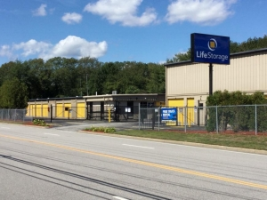 Image of Life Storage - West Warwick Facility on 5 James P Murphy Ind Hwy  in West Warwick, RI - View 3
