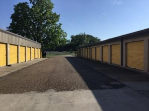 Picture of Life Storage - Lafayette - 2888 Northeast Evangeline Thruway
