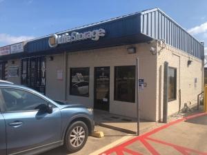 Image of Life Storage - Cedar Hill Facility on 150 N Clark Rd  in Cedar Hill, TX - View 2