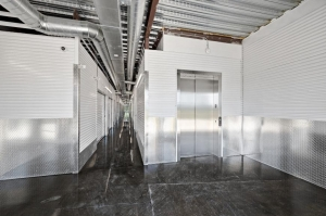 Image of Life Storage - Seabrook Facility on 3400 Bayport Blvd  in Seabrook, TX - View 4