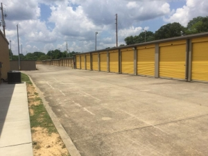 Image of Life Storage - Bessemer Facility on 3551 Bessemer Super Hwy  in Bessemer, AL - View 2