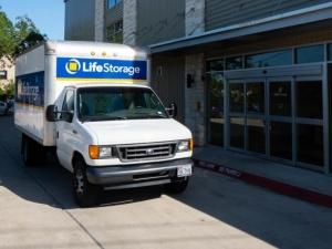 Image of Life Storage - Austin - North Lamar Boulevard Facility on 8227 N Lamar Blvd  in Austin, TX - View 3