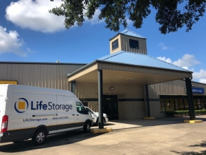 Image of Life Storage - Pasadena - Fairmont Parkway Facility on 6402 Fairmont Pky  in Pasadena, TX - View 4