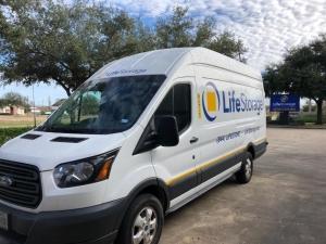 Image of Life Storage - Pasadena - Fairmont Parkway Facility at 6402 Fairmont Pky  Pasadena, TX