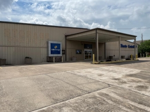 Image of Life Storage - Houston - Highway 6 South Facility on 3800 Highway 6 S  in Houston, TX - View 3