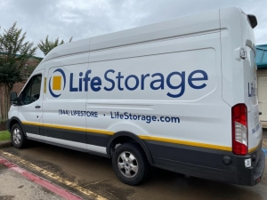 Image of Life Storage - Missouri City Facility on 4717 Cartwright Rd  in Missouri City, TX - View 3