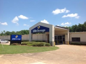 Life Storage - Montgomery - Richard Road