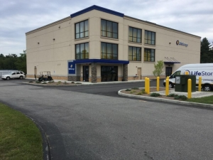 Image of Life Storage - Oxford Facility on 90 Main St  in Oxford, MA - View 4